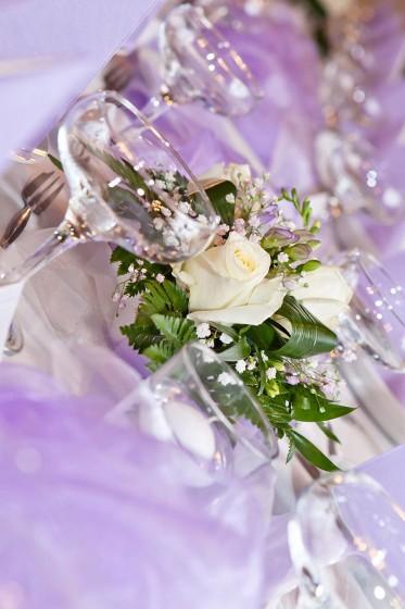 Fotografie 101-fialova (15).jpg v galerii Svatební tabule od fotografky Eriky Matějkové