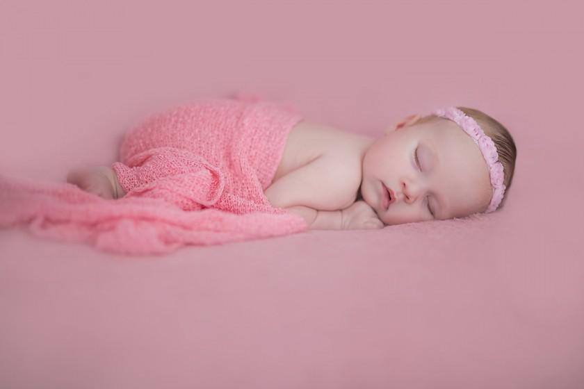 Fotografie 18-01-23-danysova684A5992.jpg v galerii Novorozenci od fotografky Eriky Matějkové