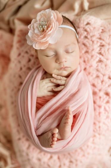 Fotografie 18-09-04-hanakova-684A8842 kopie.jpg v galerii Novorozenci od fotografky Eriky Matějkové