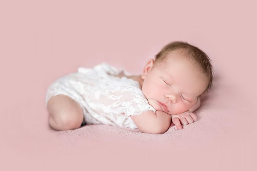 Fotografie 18-11-01-berkova-684A0491.jpg v galerii Novorozenci od fotografky Eriky Matějkové