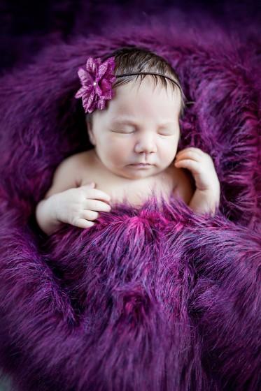 Fotografie 18-12-04-vybiralova-684A3720.jpg v galerii Novorozenci od fotografky Eriky Matějkové