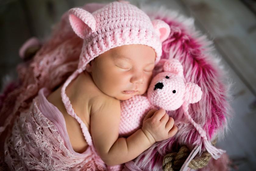 Fotografie 18-12-04-vybiralova-684A3792.jpg v galerii Novorozenci od fotografky Eriky Matějkové